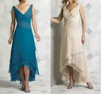 v boyun turkuaz gece elbisesi toptan satış-2019 Zarif Seksi V Boyun Anne Gelin Elbiseler Pleats Boncuk Şifon Çay Boyu Yüksek Düşük Turkuaz Örgün Abiye giyim Gelinlik Modelleri
