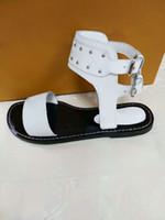 Donne Chunky Tacchi alti Sandali con punta chiusa in pelle scamosciata  Sandalo con cinturino alla caviglia Pompe con cinturino rotondo Punta a  punta Prom ... ac81767a8f0