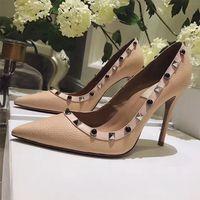 neue hoch geschnittene schuhe großhandel-2018 New Fashion Brand Luxus Frauen Nieten High Heels Spitz Metall Rock Stud Schuhe echtes Leder Frauen Pumpen Größe 35-42