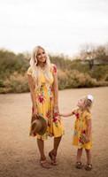 prenses tarzı yaka elbise toptan satış-Anne kızı elbise bohemia tarzı kızlar çiçekler baskılı prenses elbise yaz çocuk yuvarlak yaka kısa kollu plaj elbise Y0650