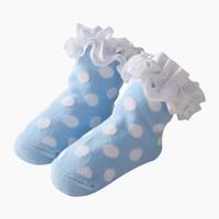 calcetines de lunares niña al por mayor-0-24M Calcetines del bebé Polka Dots Calcetines de encaje Niñas recién nacidos Princesa Holiday Regalos de cumpleaños para niñas Moda Ropa infantil