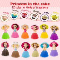 Wholesale hot lisa - hot Magic Toys Cupcake Scented Princess Doll Reversible Cake 12 Role Debbie Lisa Etude Britney Kaelyn Jennie with 6 Flavors for Girls oth262