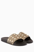 Wholesale embellished sandals - 2018 mens and womens fashion pearl-embellished rubber slide sandals summer outdoor beach flat flip flops adults slippers