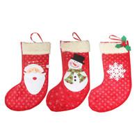peluche faite à la main achat en gros de-Fait à la main mignonne pendentif arbre de Noël chaussettes décoration en peluche en peluche sacs cadeaux bonbons cadeaux sacs de fête à la maison 3pcs / lot