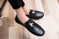 flieder high heels schuhe großhandel-2018 Männer flache Schuhe Qualität Split Leder Männer schwarz feste Slip-on Mens im Freien fahren Männer Slipper