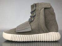Wholesale gray leather boots women - 2018 750 Boost Kanye West Noctilucent Light Grey Glow In The Dark Chocolate All Black OG Gray Brown Men Women Boot Shoes