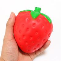 kawaii fruta blanda al por mayor-Colosal Squishy fresa simulación Fruta kawaii Squishies crecientes lentos artificiales queeze juguetes bolsa teléfono encanto tamaño aproximadamente 8 CM