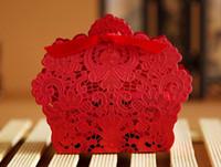 teneke şeker kutusu düğün iyilikleri toptan satış-Lazer Kırmızı Şeker Teneke Konteynerler Düğün Iyilik Kutuları Lazer Kesim Iyilik Düğün Kağıt Çin Düğün Parti Iyilik