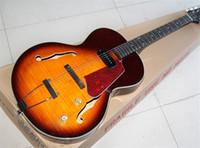 alevli akçaağaç kırmızısı toptan satış-Kırmızı Pickguard ile fabrika Yarı-içi Boş Günbatımı Elektro Gitar, 1 Pikap, Alev Maple Kaplama, Beyaz Tuner, özelleştirilebilir
