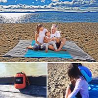mavi kurutucu toptan satış-DHL plaj mat Kompakt Açık Plaj Battaniye Piknik Battaniye Naylon malzeme Kum Ücretsiz paketi ile Hızlı Kurutma çantası