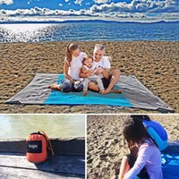 schnell blau großhandel-DHL Strandmatte Compact Outdoor Beach Decke Picknickdecke Nylon Material Sand Free Quick Dry mit Packsack