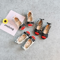 Wholesale Toddler Girl Genuine Leather Sandals - New Arrival Fashion Brand Girls Baby Toddler Patent pearl Rivet Bee Flats Dress Shoes Peep Toe big Girl Sandals Black White Pink A8593