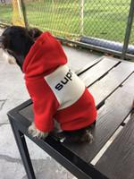 hoodies do animal de estimação do gato venda por atacado-Fábrica Por Atacado Pet Moda Esporte Hoodied Cachorro Legal Hoodies Pet Aparelhos de Inverno Fontes Do Gato Do Cão Bonito Buldogue Schnauzer Apparels