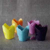 cupcakes papierzwischenlagen großhandel-Non Stick Pappbecher Kuchen Liner Hochtemperaturbeständige Backenwerkzeuge Feste Farben Tulpen Muffin Wraps Patty Kuchenzwischenlagen Rosa 0 2me BB