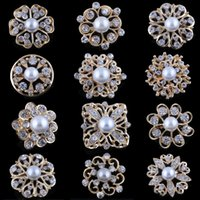 Wholesale jewelry brooch bouquet resale online - Golden Silver Crystal and Pearls Bouquet Brooches Pins for Women Small Size Rhinestone Wedding Bridal Decoration Breastpin Jewelry