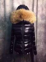 abrigo de piel para mujer al por mayor-M37 TATIE mujeres calientes de la venta abajo de la chaqueta abrigo de invierno engrosamiento de la Ropa Femenina real de piel de mapache de la capilla del cuello de las mujeres abajo de la chaqueta