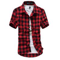 camisas a cuadros negro para los hombres al por mayor-Rojo y negro camisa a cuadros de los hombres camisas 2016 nueva moda de verano Chemise Homme para hombre camisas a cuadros camisa de manga corta de los hombres baratos