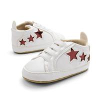düşük ilk ayakkabı toptan satış-Yenidoğan Sonbahar dekolte Ayakkabı Bebeklerde Rahat Ilk Yürüteç Bebek Softe Alt Sneaker Bebek Ayakkabı