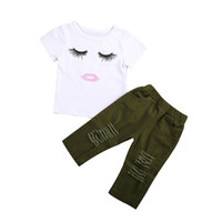 pantalones cortos chicas verde al por mayor-Moda recién nacido niño niños niña ropa conjunto manga corta de la pestaña de la camiseta Tops + Army Green Stretch Ripped Pant Pantalón 2PCS