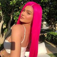 lange haarschichtige perücken großhandel-Mode Promi-Stil Hochtemperatur-Faser natürlichen Haaransatz Perücke Rose rosa lange gerade geschichteten Haarschnitt synthetische Lace Front Perücke