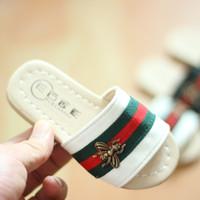 baby schuhmuster sandalen großhandel-Kleinkind-Mädchen-Schuh-Sandelholz-Baby-Pantoffel-Kinder weiche Unterseite 2018 Sommer-neues Muster-Prinzessin-kühler Schuh-Großverkauf
