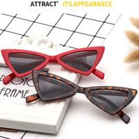 plásticos triángulo al por mayor-Gafas de sol del ojo de gato Gafas del marco del triángulo Mujeres Sun Gafas de plástico del borde del borde UV400 Gafas Venta al por mayor barato Gafas