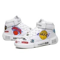 lakers brancos venda por atacado-Sapatas Dos Esportes de moda Homens Respirável Sapatilhas Brancas Dos Homens Casuais Lakers Equipe Padrão WORRIORS Tenis Sapatos Meninos Krasovki