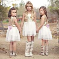 çocuklar payet tops toptan satış-Işık Altın Payetli Üst Mini kısa Çiçek Kız Elbise diz boyu yukarıda Örgün Backless Jewl Boyun Tül Etek Çocuk Pageant Törenlerinde düğün