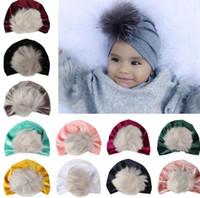 2018 bambini cadono cappelli invernali all ingrosso di natale pon pon di  pelliccia cappello bambino velluto berretti bonnet ragazze indiani  musulmano ... c28c2942e8ff