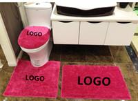 ingrosso toilette bianca nera-Stuoie su misura del bagno di stile del logo di DIY di stile europeo Tappeti 4 pezzi Bagno Set in bianco e nero