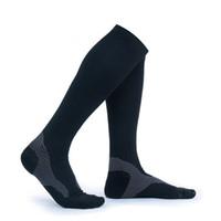 calcetines de secado rapido al por mayor-Rodilla Calcetines de alta compresión para hombre Mujer Maratón de alta calidad Calcetines deportivos Calcetines de bicicleta de secado rápido Soporte FBA Envío de la gota H106S