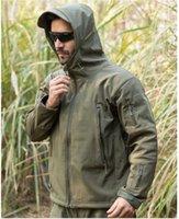 outdoor uniform jacken großhandel-Desinger der Männer taktische einheitliche im Freienmantel-weiche Shell-Jagd-Jacke windundurchlässige wasserdichte warme wandernde Jacke geben Verschiffen frei