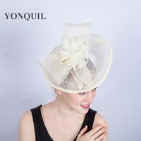 Wholesale sinamay hat black - Elegant ivory sinamay fascinator hats with feather bridal wedding hat high quality cocktail hats occasion headwear party hairstyle SYF199