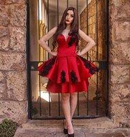 chic dress knielänge großhandel-2018 Fashion Red Robe De Prom Kleider Knielangen Schwarz Appliques Sweetheart Robe Cocktailkleider Chic Formale Heimkehr Kleid