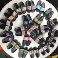 zapatillas cómodas para hombre. al por mayor-2018 sandalias de diseñador hombres mujeres pantalla de serpiente de tigre Tiger impreso sandalias de diapositivas zapatillas de moda al aire libre zapatos cómodos de playa Euro 35-45
