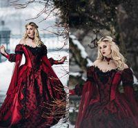 ingrosso vestito da mascherare vittoriano-Gothic Sleeping Beauty Princess Borgogna medievale e abito da sposa nero Maniche lunghe pizzo Appliques Abiti da sposa in maschera vittoriana