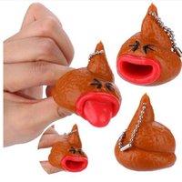 neuheit zunge großhandel-Poo Emoji Emoticon Toy Schlüsselanhänger Pop Out Tongues Neuheit Fun Little Tricky Streich Slow Rising Soft Squishes Lovely Phone Straps