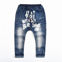 şişkin baskılı kot pantolon toptan satış-Moda Bahar Sonbahar Çocuk Jeans Boys Baggy Kot Çocuklar Harem Pantolon Mektup Baskılı Denim Pantolon Giyim 3-9Y Çocuklar Için