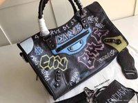 sacs en cuir de vachette achat en gros de-New Hot Sale Classic Fashion Haute qualité sac à main sac à bandoulière sac à main en peau de vache daim véritable cuir luxe sacs à main femmes sacs 2820 2756