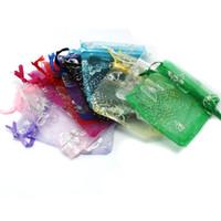 bolsas de regalo de mariposa al por mayor-NiceBeads 100 UNIDS 7 * 9 cm Color de La Joyería de Organza Caja de Regalo Regalo de Boda Bolsa de Caramelo Dulce con Mariposa