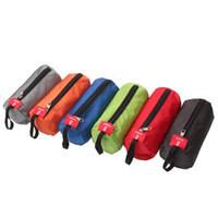 zylindrischer kosmetiktasche großhandel-Farbe mischen zylindrische Form waschen Pakete Kosmetik Handtuch Taschenlampe Aufbewahrungstasche im Freien Taschen einfach für tragen 2 9hs x