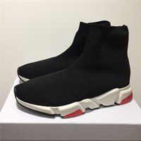 botas de nombre al por mayor-Marca de fábrica de alta calidad Unisex zapatos casuales Calcetines planos de moda Botas Mujer Nuevo Slip-on Tela elástica Speed Trainer Runner Hombre Zapatos al aire libre