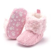 botines de crochet para niños al por mayor-Botines de bebé Zapatos de ganchillo recién nacido Zapatos de niña de lana cálida Botas de nieve Mocasines antideslizantes de base suave Zapatos de bebé para niños
