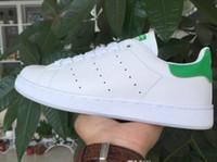 zapatos de moda para hombre precios al por mayor-Precio bajo Nuevo llega zapatos Stan para hombre y mujer Zapatillas de deporte de moda Casual Amantes de cuero Zapatos Smith Zapatos Mujer tamaño grande 36-44