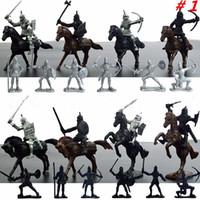 dekor savaşçısı toptan satış-28 adet / takım Knights Savaşçı Atlar Ortaçağ Oyuncak Askerler Playset Rakamlar Playset Mini Model Oyuncaklar Hediye Dekor Çocuklar Için Yetişkin