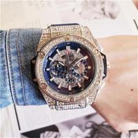 bracelets en cuir de tissu achat en gros de-Mode pour hommes Grand cadran Montres à Quartz Luxe Hommes Entièrement fonctionnel quartz Strass incrusté de diamants Cadran Horloge Montres à Quartz