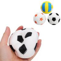 bilek kayışı gag toptan satış-Eğlenceli Futbol Yumuşacık Sevimli Anti-strss Topu Sıkmak Yavaş Yükselen Çocuklar Eğlenceli Geyik Telefonu Sapanlar Rastgele Renk PU Yumuşacık Oyuncaklar