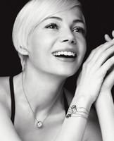 frankreich armbänder großhandel-Frauen Frankreich Perlmutt Armband L Monogramm Eleganz Armbänder Paris Design Damen Hochzeit Charme Armband Schmuck-Set