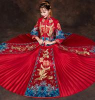 rote chinesische kleidung großhandel-wedding cheongsam traditionelle chinesische Brautkleid Alte Ehe Kostüm Kleid Kleidung Damen Stickerei Phoenix rot Qipao