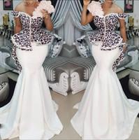 robe soiree peplum großhandel-2019 Nigerian Mermaid Abendkleider Schwarz Appliques Peplum Abiye Formale Abendkleider Perlen Floral Prom Kleider Lange Robe Robe De Soiree